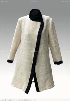 VESTUARIO TELAR MAPUCHE Moda Chic, Loom Weaving, Duster Coat, Sewing Patterns, My Style, Crochet, Winter, Sweaters, Jackets