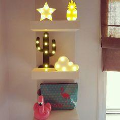 No sabemos si nos gusta más encendidas o apagadas. 😀😀 El caso es que son #preciosas de las dos maneras.  #decoracionled #decochula #instadegign #regalo #ideaspararegalar #ideasdcor Chula, Original Gifts, Houses