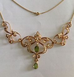 Beautiful Victorian 15ct Gold Natural Peridot & Seed Pearl Necklace