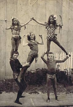 Child acrobats vintage circus/antique lowbrow americana / These early vaudeville and circus photos: feel like family snapshots — just pictures of the kids, really — but from a family of circus performers Circus Vintage, Old Circus, Night Circus, Vintage Circus Performers, Vintage Carnival, Vintage Pictures, Old Pictures, Vintage Images, Old Photos