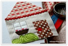 Sewing tutorial. Little house purse
