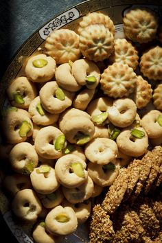 Arabic cookies (maamoul, barazek, ghorabiye) no recipes but will look for some Lebanese Desserts, Lebanese Cuisine, Lebanese Recipes, Arabic Dessert, Arabic Sweets, Arabic Food, Middle Eastern Desserts, Middle Eastern Dishes, Palestinian Food