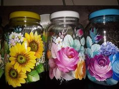 1 million+ Stunning Free Images to Use Anywhere Mason Jar Crafts, Bottle Crafts, Mason Jars, Bottle Painting, Bottle Art, Glass Painting Designs, Daisy Painting, Jar Art, Hand Painted Wine Glasses