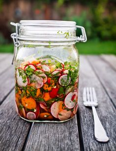 A fun way to save extra spring veggies to enjoy through summer: Taco Pickles.a mix of radishes, carrots, jalapeno, cilantro and mix of vinegars to make a relish to put on tacos salads sandwiches or even grilled fish Mexican Food Recipes, Healthy Recipes, Simple Recipes, Summer Recipes, Delicious Recipes, Healthy Foods, Do It Yourself Food, Comida Latina, Chutneys