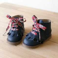 Toddler & Kids Girl boots in high quality leather. Girls boot's designed for style and comfort, available from toddler sizes to young girls. Navy boots are designed with frill front. Navy Boots, Style Matters, Latest Shoes, Designer Boots, Cute Outfits For Kids, Kids Boots, Childrens Shoes, Baby Girl Fashion, Leather Boots