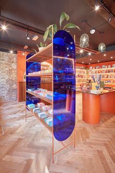 Papersmiths Chelsea joins its individualistic siblings, as the stationery and paper goods design store chain continues its expansion. Boutique Interior, Retail Interior Design, Retail Store Design, Retail Stores, Deco Design, Display Design, Booth Design, Commercial Design, Commercial Interiors