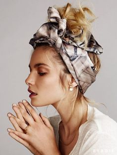 Exclusive: VS Model Bridget Malcolm Takes Beach Hair to the Spring Summer head scarf How To Wear Headbands, How To Wear Scarves, Bandana Headbands, Ways To Wear A Scarf, Messy Bun Hairstyles, Headband Hairstyles, Fall Hairstyles, Blonde Hairstyles, Headband Updo