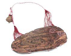Andrea Coderch Valor - 2011. Silver, wood (bois de violet), silk.