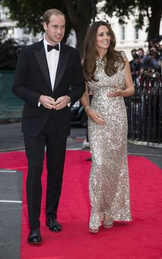 Kate, acompanhada do príncipe William, na entrega dos prémios da Tusk Conservation Awards (Setembro 2013)
