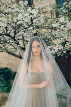 Olive water green silk dress, veil, spanish inspired bride | A Very Beloved Wedding | A Very Beloved Bloom | Photo: Manuela Kalupar | Gown: Elfenkleid #silkweddinggown #spanishinspiration #veil