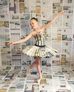 Newspaper tutu we made for Earth Day 2016 - Salvabrani Paper Fashion, Diy Fashion, Fashion Show, Fashion Design, Recycled Costumes, Recycled Dress, Recycled Clothing, Tutu, Baby Kostüm