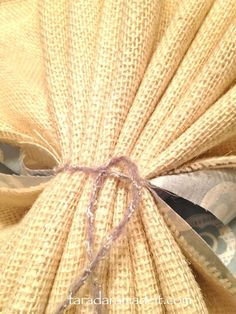 How to make Burlap Flowers, this is another version of burlap flower making. Like the introduction of fabric, so cute!