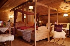 I love these 4 poster beds