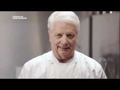 A lezione da Iginio Massari | Bignè - YouTube