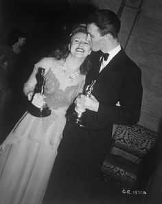 """Best Actress Ginger Rogers (""""Kitty Foyle"""") and Best Actor James Stewart (""""The Philadelphia Story"""") in 1940"""