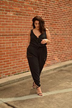 Ralph Lauren Overall - Fashion Outfits Curvy Street Style, New Street Style, Street Style Women, Women's Fashion Leggings, Skirt Fashion, Fashion Outfits, Fashion Trends, Fashion 2015, Office Fashion Women
