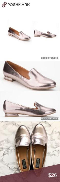 Deena & Ozzy Metallic Loafers EUC Metallic Loafers by Deena & Ozzy from Urban Outfitters. Size 8. TTS. So cute to spice up any outfit! Minimal wear, the only noticeable wear is the wrinkles on the front but those are kind of inevitable with this kind of shoe. Please feel free to ask any questions before purchasing. I am happy to provide measurements/photos upon request! 😊  ❣️Open to Offers unless Final Price ❣️No Trades or Holds ❣️Smoke Free Home ❣️Bundle Discounts! 15% off 2+ items Urban…
