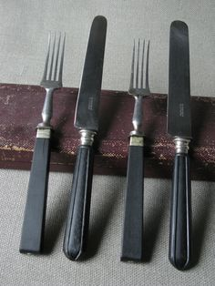 Ebony Wood Handle Flatware - could you replicate this by dipping vintage flatware in matte charcoal paint? Black Interior Design, Black And White Interior, Black Feature Wall, Black Wood, Black Dark, White Cottage, Black Bedding, Black Furniture, Black Walls