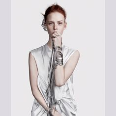 Dani Witt estrela nova campanha da Camila Klein  Diretor de criação: Beto Guimarães Fotógrafo: Gil Inoue Beleza: Daniel Hernandez Modelo: Dani Witt (Joy)  @camilakleinoficial  #camilaklein #newcollection #neweditorial  #editorial #moda #fashion #fashiongirl #fashionismo #fashionista #styling #style #tendencia #design #fashiondesign #photoshoot #jewels #jewellerydesigner
