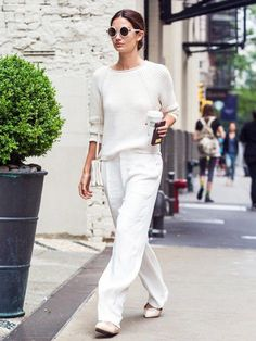 Lily Aldrige looked so chic in all white.