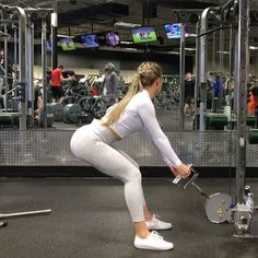 """15.8k Likes, 409 Comments - Cristina Capron (@cristinacapron) on Instagram: """"Some clips from leg day with @lisamariezfit First and last two clips are two different variations…"""""""