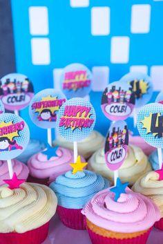 Cupcakes at a girl superhero birthday party! See more party ideas at… Superhero Party Food, Superhero Birthday Cake, Barbie Birthday, Barbie Party, Girl Birthday, Birthday Parties, Superhero Treats, Girl Superhero Cake, Girl Parties