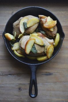 Pork Chops with Apples and Sage - Check out Superfresh Growers apples here: http://www.superfreshgrowers.com/our-fruit/apples
