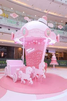 MCP 新都城中心二期及三期_X'mas2018 decoration_4 Display Design, Booth Design, Store Design, Unicorn Cafe, Summer Deco, Girl Birthday Themes, Photo Corners, Experiential, Pink Aesthetic