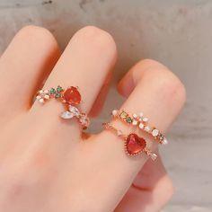 Hand Jewelry, Cute Jewelry, Jewelry Accessories, Fashion Accessories, Fashion Jewelry, Jewelry Design, Jewlery, Modern Jewelry, Accesorios Casual