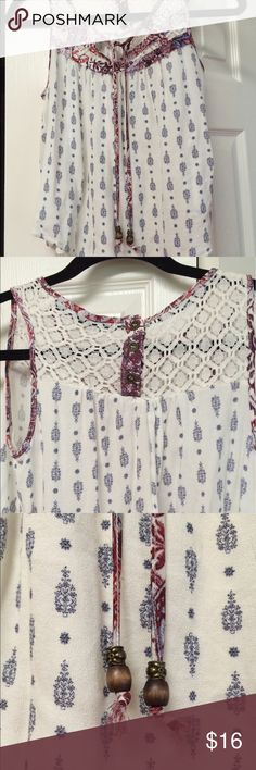 Rewind XS top, lacy Great style from REWIND ! Rewind Tops Blouses
