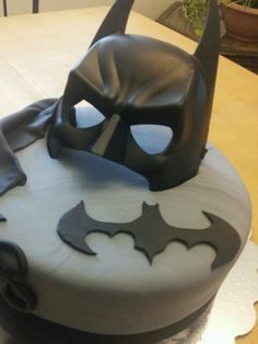 Batman cake- cheat, use a cookie cutter and a mask. I could totally do this in 5 minutes