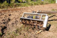 Drill-powered cultivator (with links to other slow tools sites & market gardening articles)