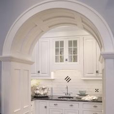 Awesome Georgian Kitchen Style Ideas For Your Amazing Home 21 Kitchen Butlers Pantry, Butler Pantry, Georgian Kitchen, Pantry Design, Beautiful Kitchens, Home Kitchens, Kitchen Remodel, Home Goods, Sweet Home