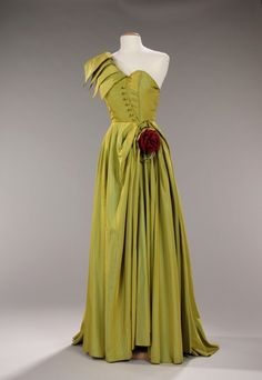 Patou evening dress ca. 1947-1949 via The Costume Institute of The Metropolitan Museum of Art