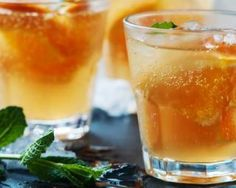 From cocktails to tea and juices, discover the best and worst drinks for your body and start picking healthy beverages from here on out. Yummy Drinks, Healthy Drinks, Get Healthy, Healthy Life, Healthy Living, Healthy Recipes, Healthiest Drinks, Healthy Summer, Healthy Meals