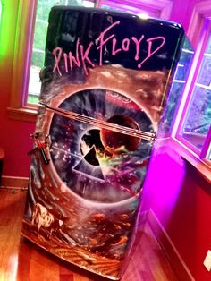 Airbrushed Pink Floyd Fridge -Painted by Mike Lavallee at Killer Paint - www.killerpaint.com