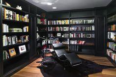 Biblioteca / Library room