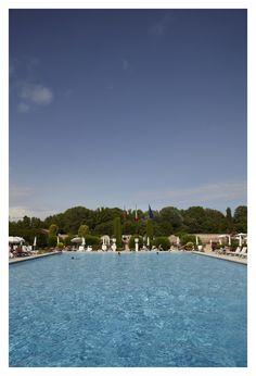 Dive into the lavish #pool at Hotel Villa Cipriani in Asolo, #Venice.