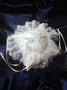 ateliersarah's ring pillow/ゼクシィ2005年4月号掲載ハンドメイドアレンジ版