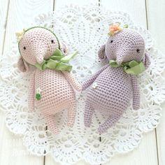 114 отметок «Нравится», 15 комментариев — ❄️ВЯЗАНЫЕ ИГРУШКИ❄️ (@akimova_handmade_toys) в Instagram: «Всем доброго дня! Последнее фото сестренок Молли и Долли на память. Розовая Долли уехала жить в…»