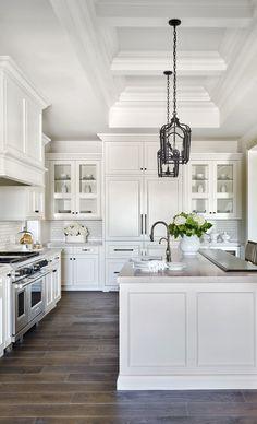 34 Luxury Farmhouse Kitchen Design Ideas To Bring Modern Look - Luxury Kitchen Remodel Kitchen Cabinets Decor, Farmhouse Kitchen Cabinets, Kitchen Cabinet Design, Kitchen Backsplash, Kitchen Countertops, Rustic Kitchen, Backsplash Ideas, Kitchen Modern, Floors Kitchen