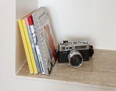 Kiven Herra / seinähyllyt Travertino Classico Stone Tiles, Some Pictures, Natural Stones, Interior, Books, Home Decor, Travertine, Floors Of Stone, Libros