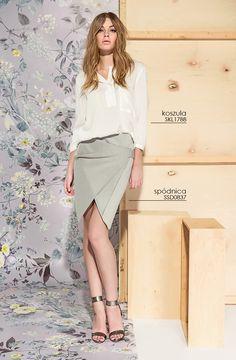 Ołówkowa #spodnica w połączeniu z koszulową bluzką stworzy modny look do pracy