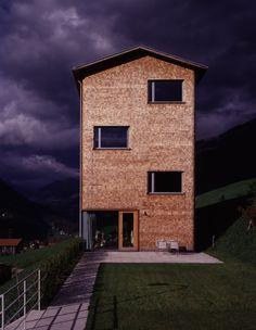 Wohnhaus Bearth-Candinas, Sumvitg Bauherrschaft: Claudia & Armon Bearth-Candinas  1998