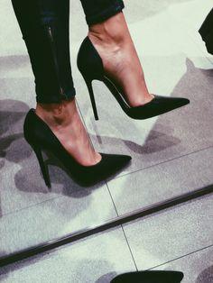 high heels – High Heels Daily Heels, stilettos and women's Shoes Zapatos Shoes, Shoes Heels, Heels Outfits, Jeans Heels, Zara Heels, Louboutin Shoes, Christian Louboutin, Shoes Sneakers, Dress Shoes
