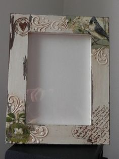 Chicken Wire Art, Wood Crafts, Diy Crafts, Picture Frame Decor, Antique Frames, Felt Dolls, Paper Design, Diy Paper, Projects To Try