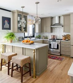 We asked industry experts to share what's on the horizon for kitchens in 2021. Hygiene and cleanliness will be a top priority in kitchen designs while flexibility for multiple tasks and users remains important. See which finishes, fixtures, colors, and appliances will be popular 2021 kitchen trends. #kitchentrends #2021kitchentrends #kitchencolors #kitchenideas #bhg Küchen Design, Home Design, Layout Design, Design Ideas, Interior Design, Design Styles, Decor Styles, Beautiful Kitchens, Cool Kitchens