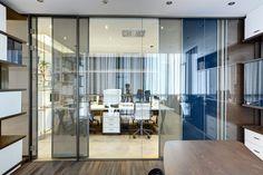 Gun+Partners Ankara Office designed by Zemberek Design in Ankara,Turkey.  A refined but dynamic approach that users to feel sense of belonging and comfort. #officedesign #office #interiordesignturkey #interiordesign #slidingpanels #interiorstyling