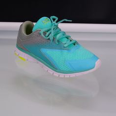 4077e1d838bec Girls Champion C9 Teal Sneakers Advanced Performance Fit Runners Athletic  Sz 2