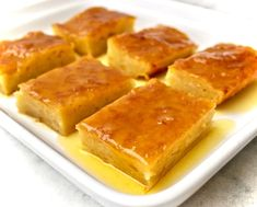 This traditional Greek orange cake is juicy, fragrant and so satisfying. This custardy and syrupy dessert is a favorite in Greece and so easy to make. Greek Desserts, Greek Recipes, French Recipes, Cupcakes, Cupcake Cakes, Poke Cakes, Olives, Orange Olive Oil Cake, Cake Recipes